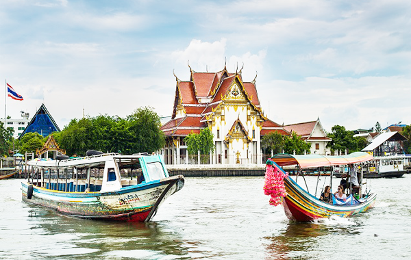 Du Lịch Thái Lan Tết Đi Tàu Thủy Miễn Phí Trên Sông
